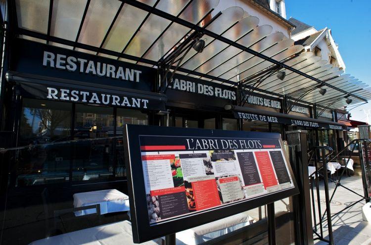 L-Abri-des-Flots-Dinard-facade-et-menu
