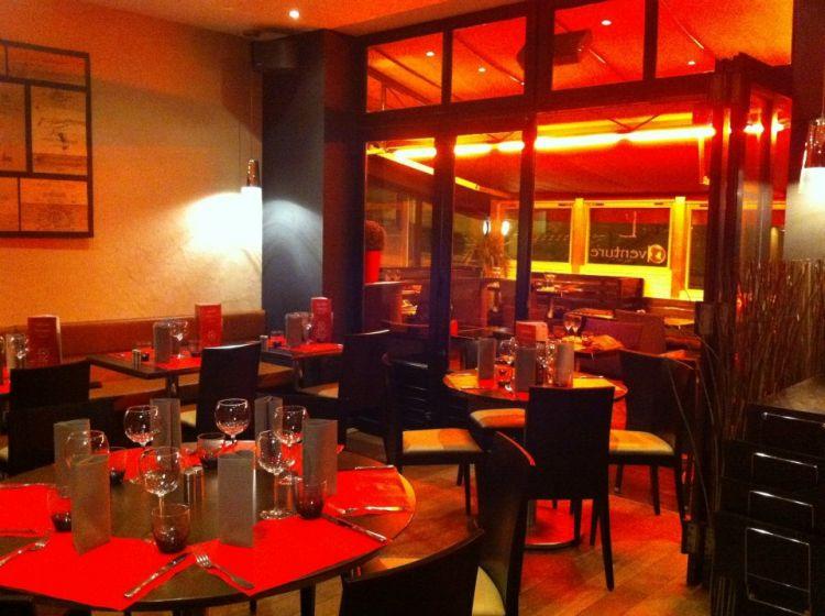 L-Aventure-Dinard-salle-de-restaurant