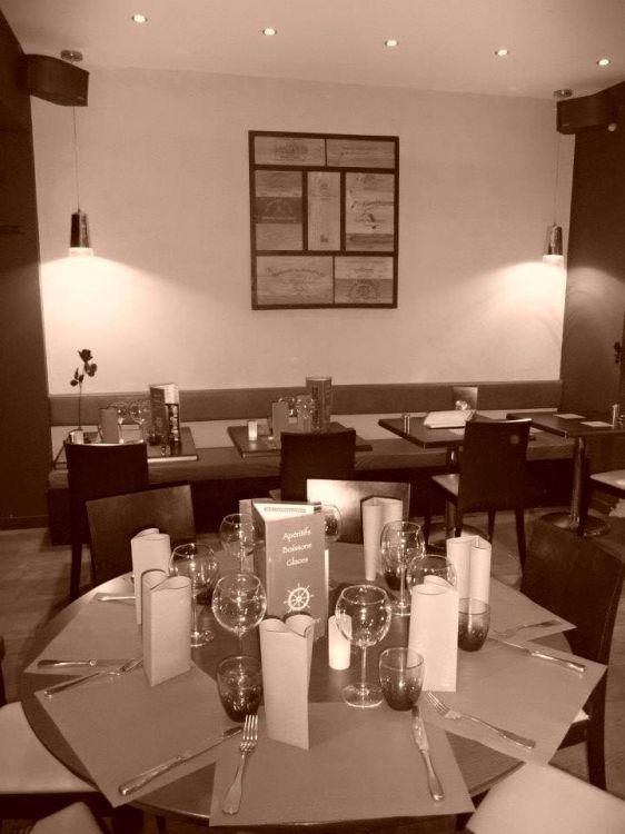 L-Aventure-Dinard-tables