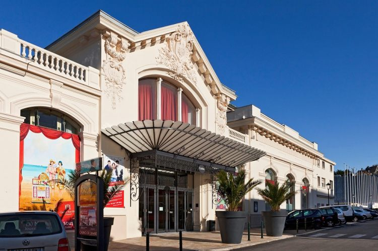 L-appel-du-Large-Dinard-facade