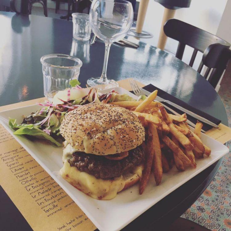 Le-Theatre-Saint-Lunaire-burger