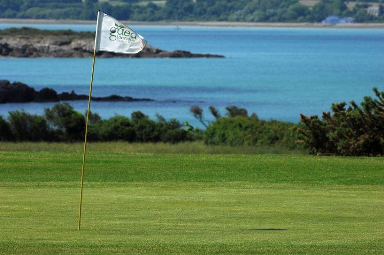 Les-Terrasses-du-golf-de-Lancieux-golf