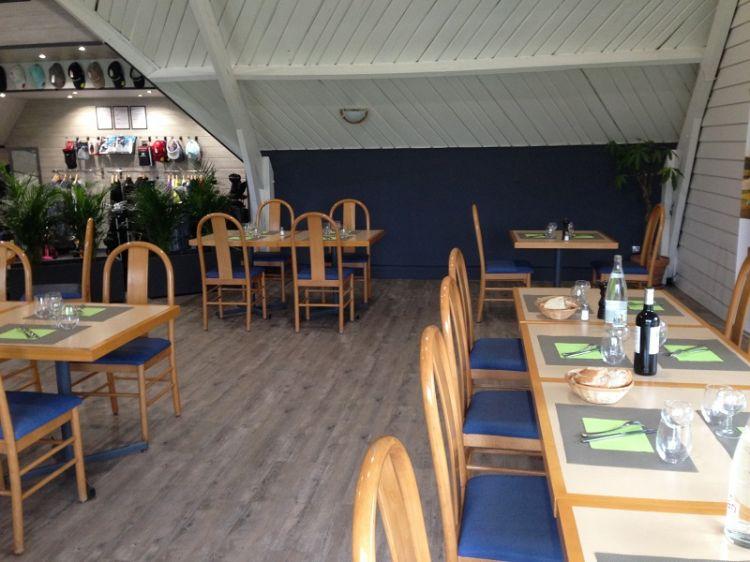 Restaurant-golf-Tremereuc-salle